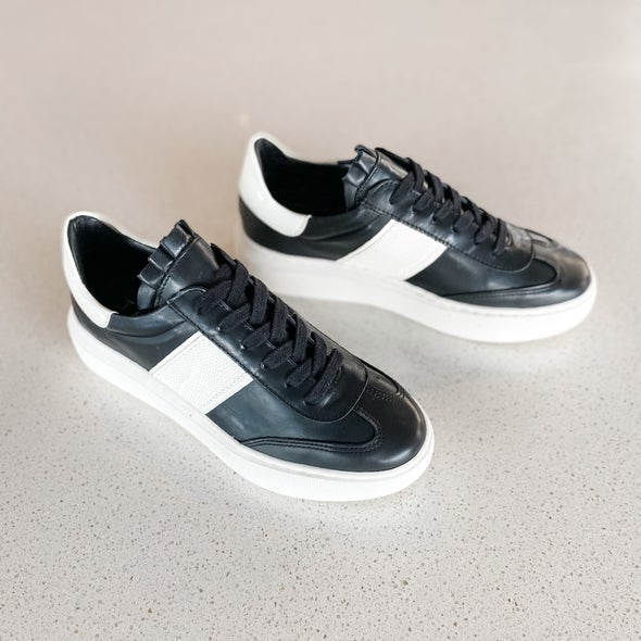 Angle Image for Ingeborg leather lace-up sneaker