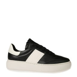 Ingeborg Leather Lace-up Sneaker
