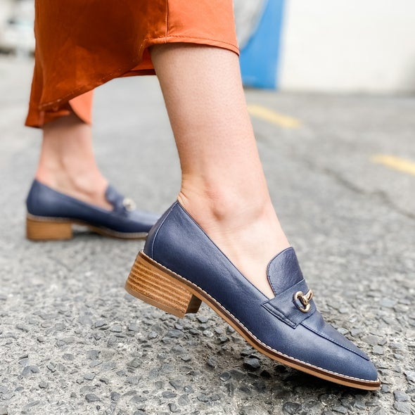 Angle Image for Jaelyn Leather Loafer