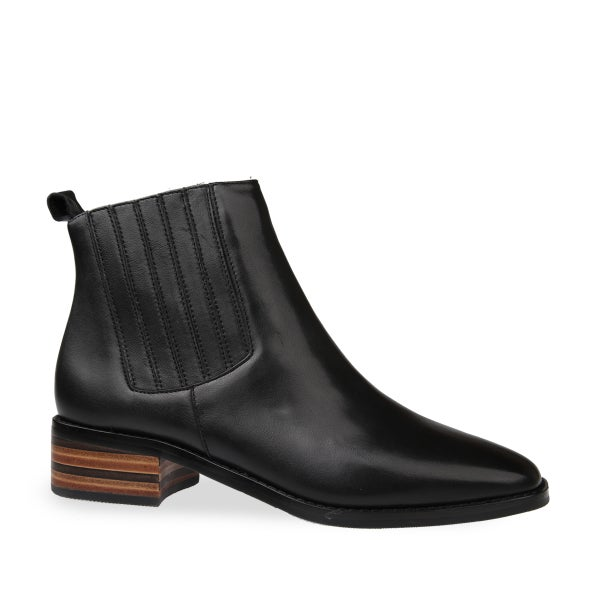 Hero Image for Lara Leather Ankle Boot