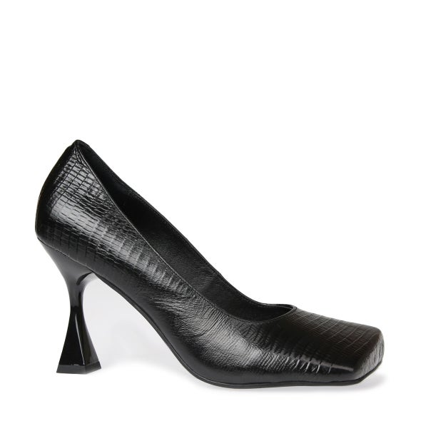Hero Image for Morphing Court shoe